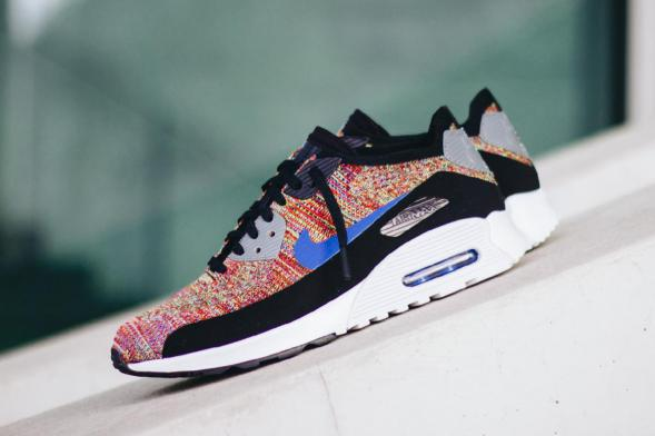 Nike Wmns Air Max 90 Ultra 2.0 Flyknit - Black / Medium Blue - Cool Grey - White