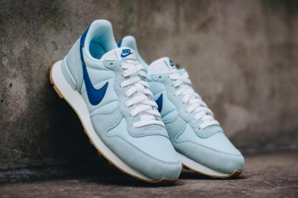 Nike Wmns Internationalist - Glacier Blue / Industrial Blue