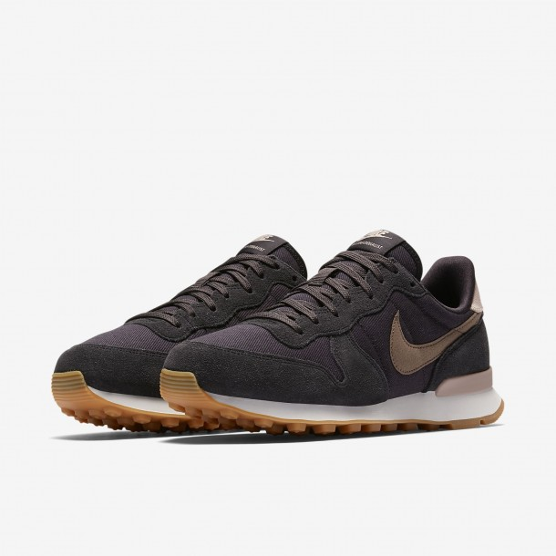 Nike Wmns Internationalist Oil Grey / Mink Brown Summit White-01