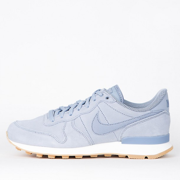 Nike Wmns Internationalist SE Glacier Grey / Glacier Grey Dark Sky Blue-31