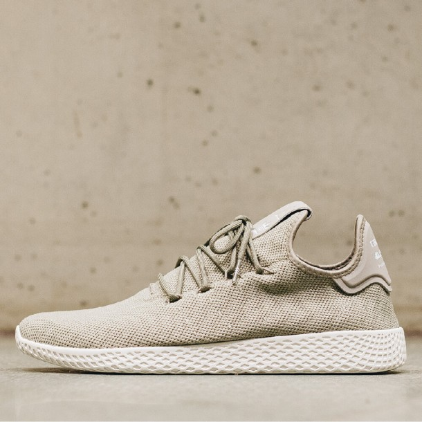 b5c25d9e8e303 Adidas Pharrell Williams Tennis HU Tech Beige   Tech Beige   Chalk White-01