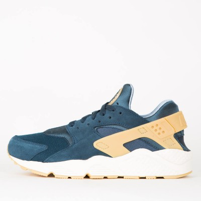nike-air-huarache-run-se-armory-navy-gum-yellow-blue-fox