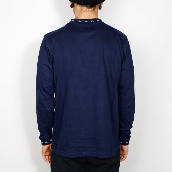 Stussy Diamond Collar L/SL Crew Navy-01