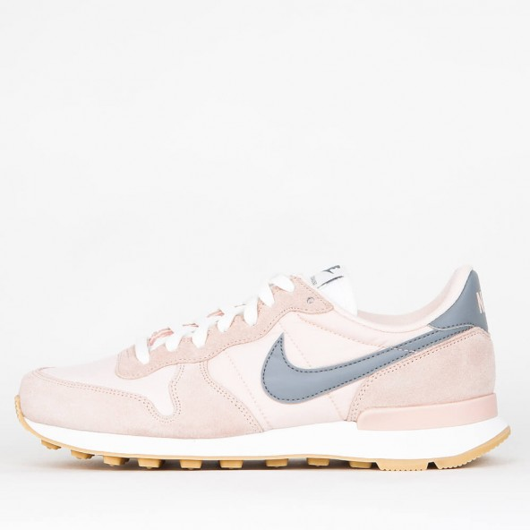 nike internationalist sunset tint / cool grey / summit white