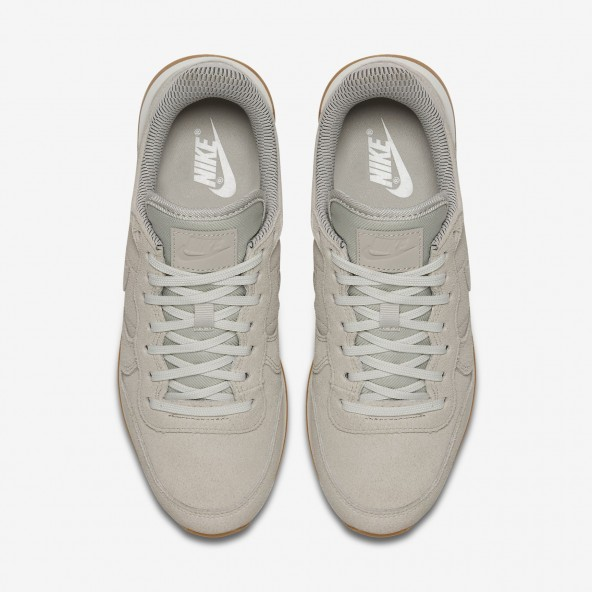 Nike Wmns Internationalist SE Light Bone / Light Bone Phantom Sail-01