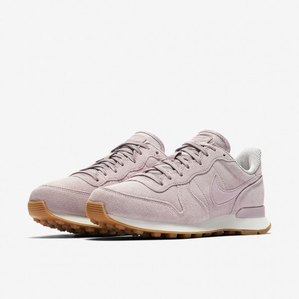 Nike Wmns Internationalist SE Particle Rose / Particle Rose Vast Greyl-01