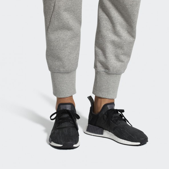 Adidas NMD_R1 Core Black / Carbon / Ftwr White-01