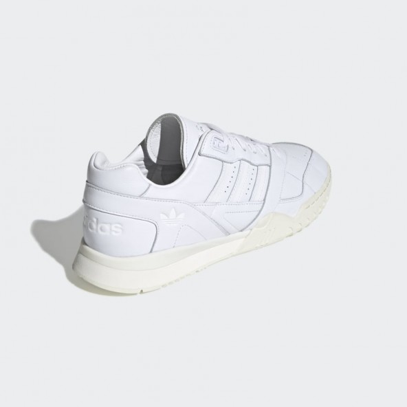 "Adidas A.R. Trainer ""Home of Classics""-01"