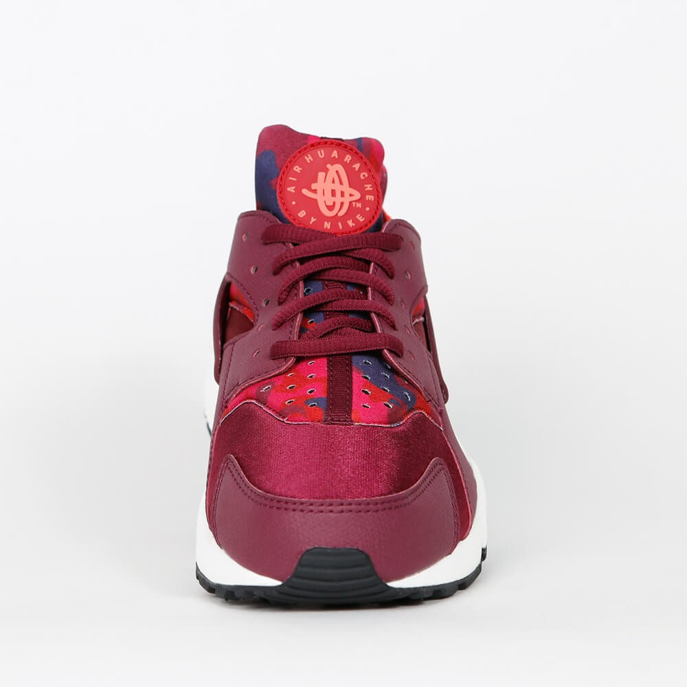 ae575e00ea9ed Nike Wmns Air Huarache Run Print - Deep Garnet   Bright Crimson ...