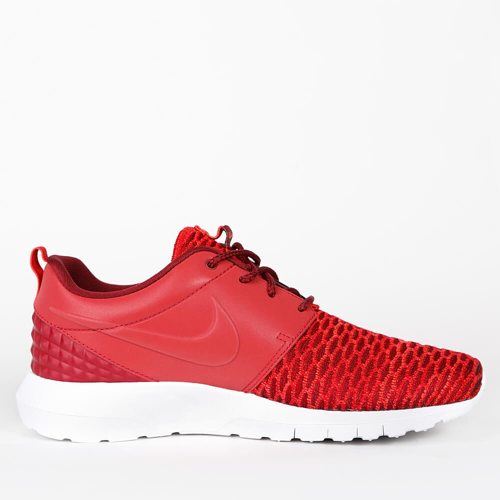 the latest 715bf 68472 Nike Roshe NM Flyknit Premium - Gym Red   Team Red   Bright Crimson