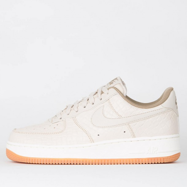 9fa7be3f7fd Nike Wmns Air Force 1  07 Premium - Oatmeal   Oatmeal - Khaki - Sail •  stickabush.com