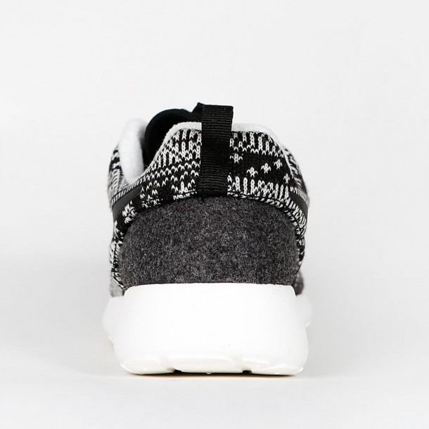 check out f046f 20855 Nike Wmns Roshe One Winter - Black / Black - Sail - 685286 ...