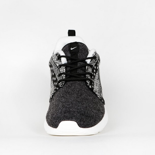 check out b330d 784d0 Nike Wmns Roshe One Winter - Black / Black - Sail - 685286 ...