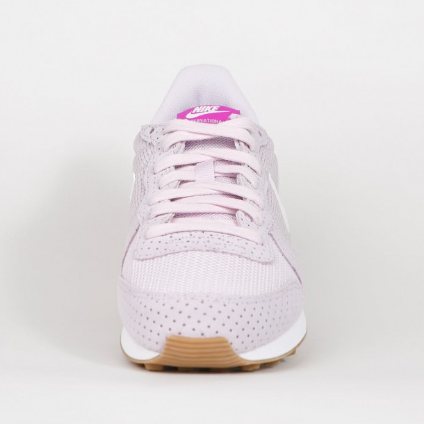 Nike Wmns Internationalist Bleached Lilac / Summit White / Gum Mid Brown-01