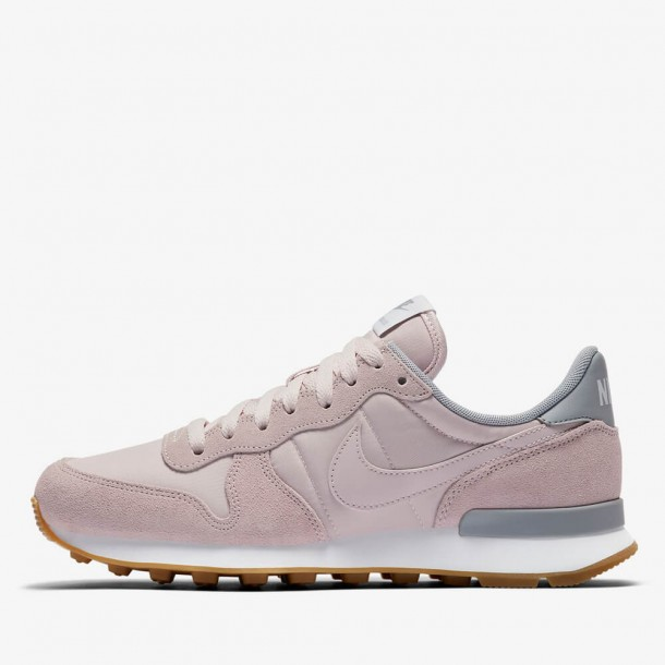 087ee1148972d8 Nike Wmns Internationalist Barely Rose   Barely Rose Wolf Grey White-31