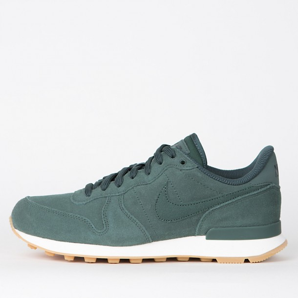 low priced b0a43 a55c6 Nike Wmns Internationalist SE Vintage Green  Vintage Green-31