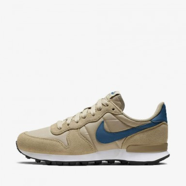 c0628c57cfbf12 Nike Wmns Internationalist - Parachute Beige   Blue Force - Summit White